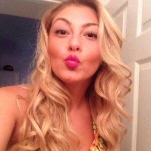 Angele Vivier Nue arnaque et escroquerie sur internet